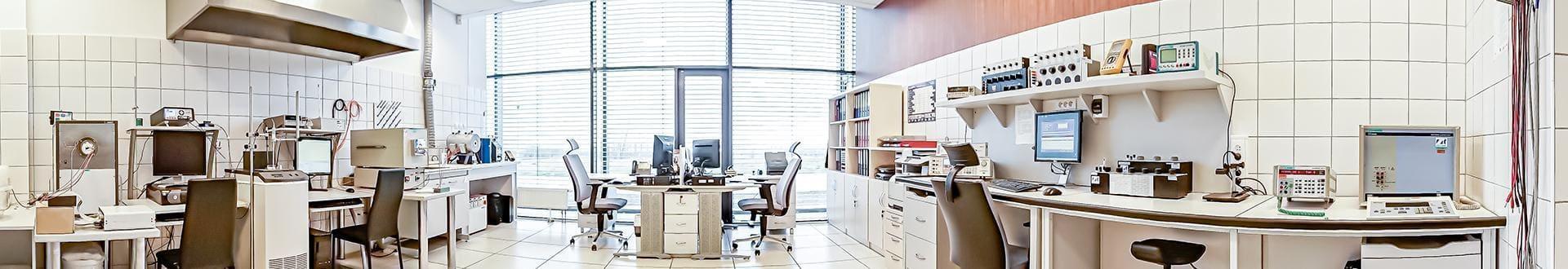 Wnętrze laboratorium firmy Metrotest
